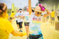 Color Run la 5 km piena di colore a Ostia