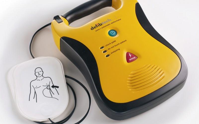 Obbligatorietà del defibrillatore per società e associazioni sportive professionistiche e dilettantistiche