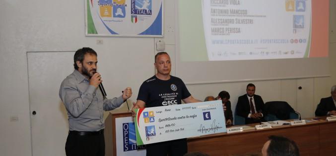 OPES incontra a Roma Gianni Maddaloni e dona un assegno per la palestra di Judo a Scampia