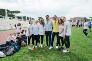 Andrea Lo Cicero ed Emanuele Blandamura con le studentesse che hanno partecipato a #BeAlive