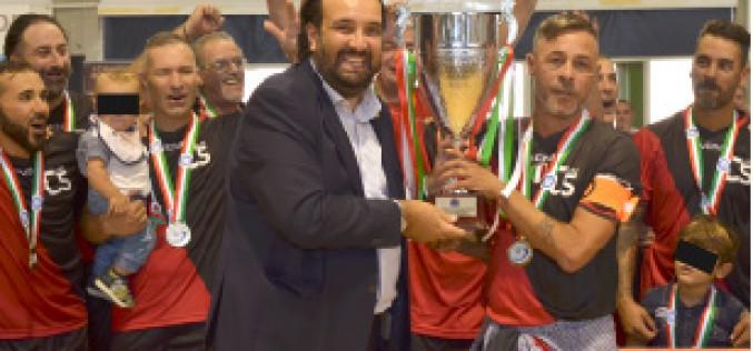 Campionato Italiano Futsal Over 40 è stato un successo. Il Calcio a 5 Live si cuce lo Scudetto sul petto