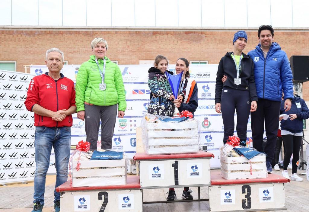 podio femminile maratona